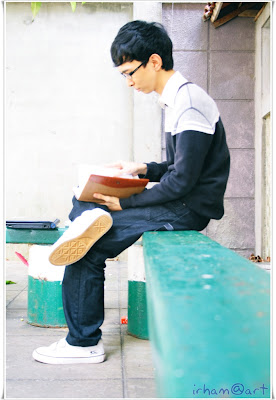 muhammad irhamna with book