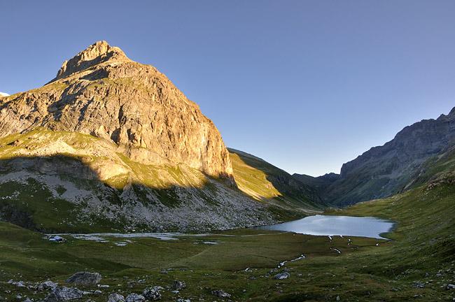 gr5-mont-blanc-briancon-lac-plagne-matin.jpg