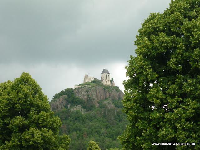 b8f14fb4f Mierne náročná cyklotúra do Maďarska, konkrétne na hrad Fuzer. Cyklotrasa  sa dá označiť za kopcovitú smerom tam, naspäť väčšinu času sa ide dole  kopcom.