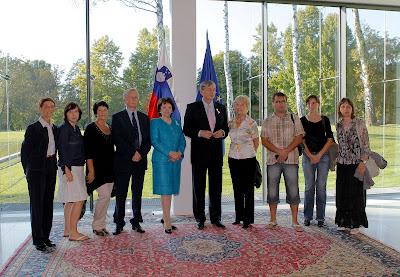 skupinska slika s predsednikom republike