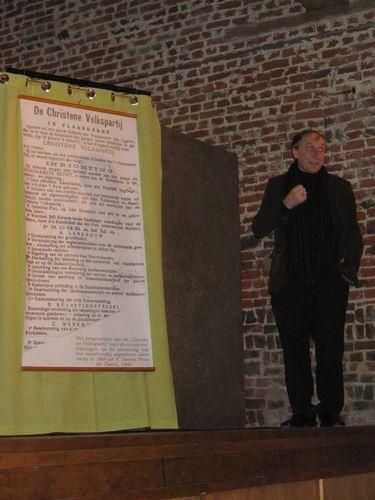Ook onze burgemeester onderstreept nog even het belang KWB en de Daens gedachte.