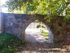 mur wokół zamku - zamek Joanniów Łagów, Polska