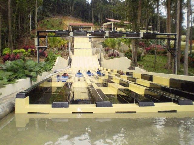 Taman-Tema-Air-Bukit-Gambang-Water-Park