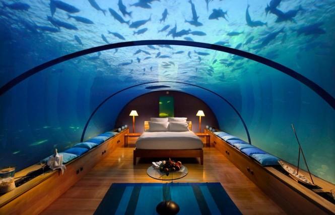 спалня под водата