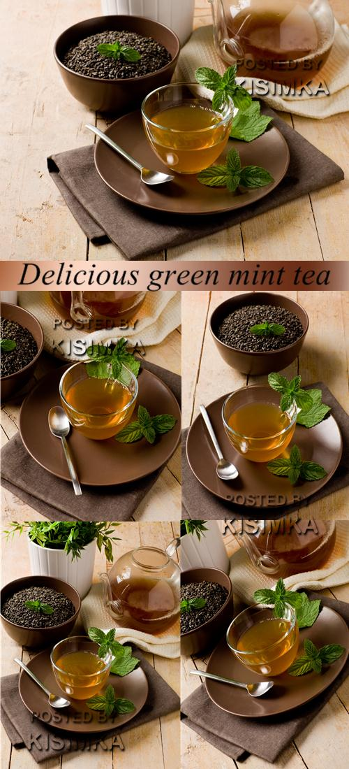 Stock Photo: Delicious green mint tea