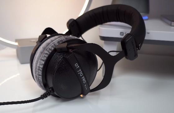 best headphones under 10000