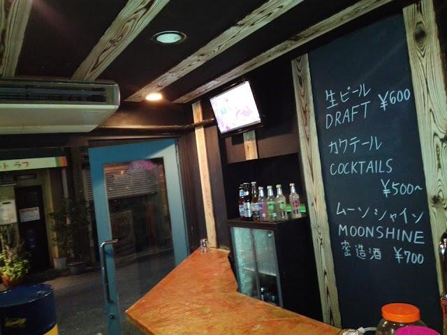 カラオケバームーンシャイン Moonshine Karaoke Bar Osaka
