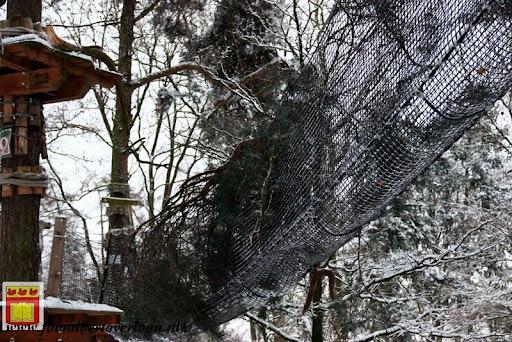 eerste sneeuwval in overloon 07-12-2012  (49).JPG