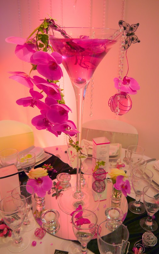 Vase martini et orchidee et soliflore eprouvette copyright www.feedeleffet-deco.com