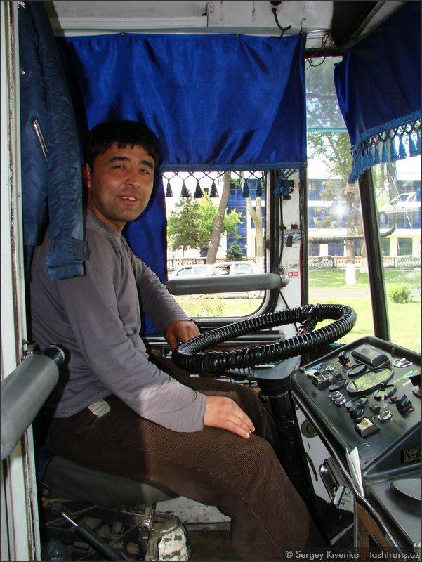 Водитель троллейбуса 3059.