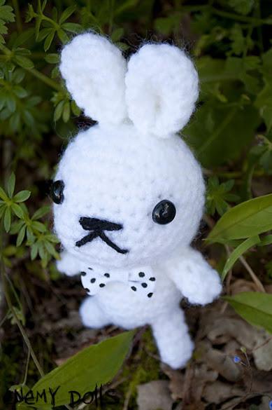 Conejo con lazo amigurumi - Amigurumi bunny with bow