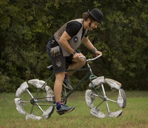 велосипедные приколы колеса из обуви