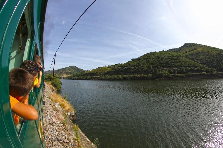 A bordo do comboio histórico do Douro