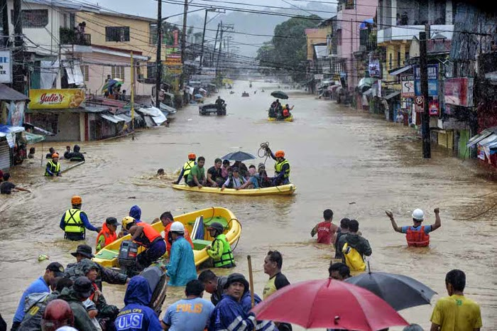 Mario Causes Flooding in Metro Manila with Pictures 19-09-2014-20
