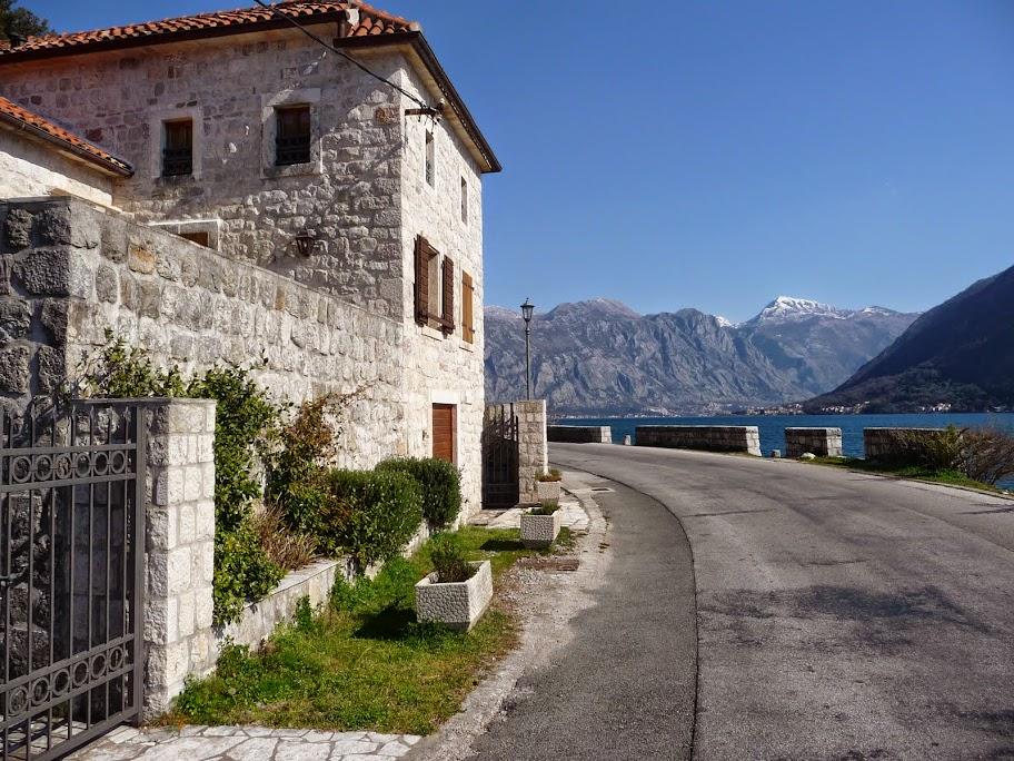 перерывах фото черногория в марте чем носить