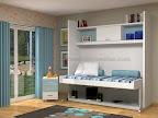 Dormitorios con estanterias y cama y mesa de estudios abatibles