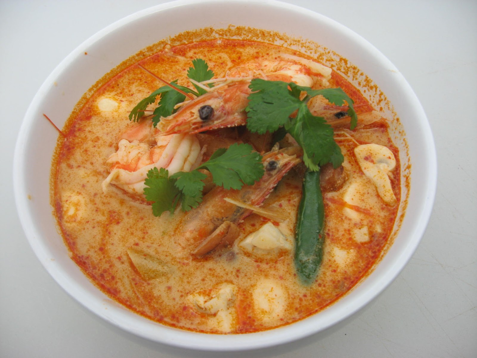 Modern Thai Food: Tom-Yum-Kung : spicy and sour shrimp soup.