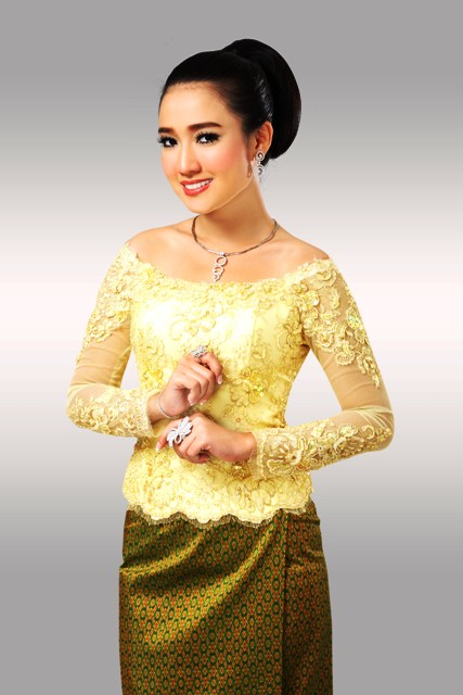 Khmer wedding hair for Laos wedding dress for sale