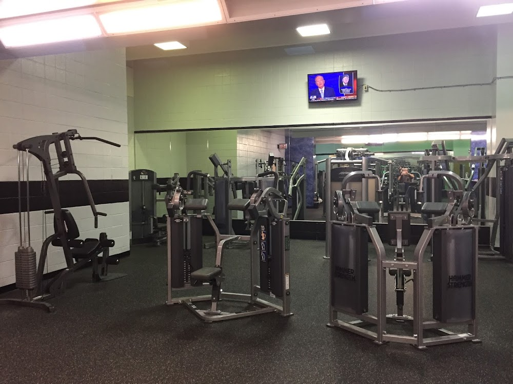 acc 561 team paper fitness center Acc 561 week 5 cvp and break even analysis papersuppose that snap fitness estimates that each location incurs $4,000 per month infixed operating expenses plus $2,000 to lease equipment.