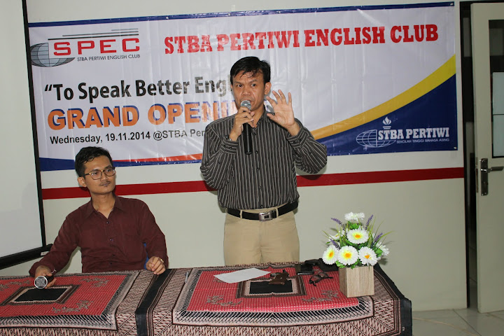 """STBA Pertiwi English Club"""