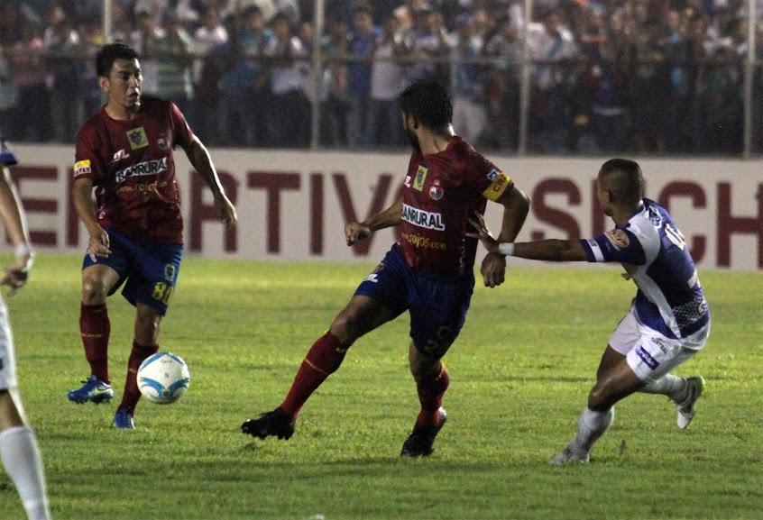 Polémica en el Carlos Salazar termina en empate