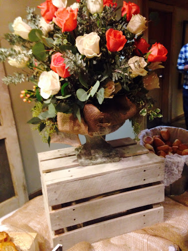 Wooden crate pedestal for floral display, DIY country wedding