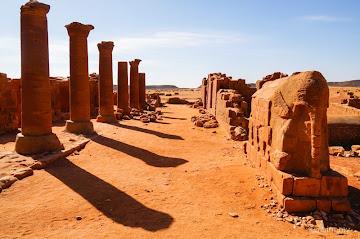 Continue reading Crossing the Bayuda Desert to Musawwarat es-Sufra Ruins in Meroe