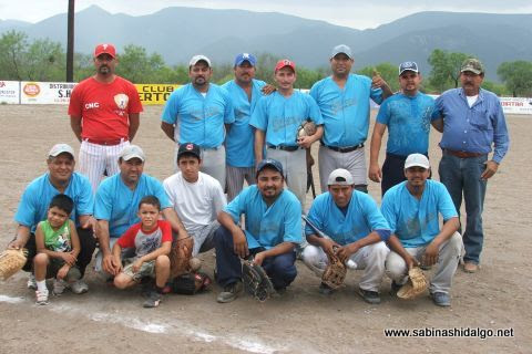 Equipo Cerveceros en el torneo de softbol del Club Sertoma