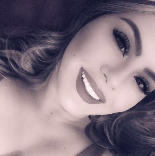 Leticia Sanchez Photo 27