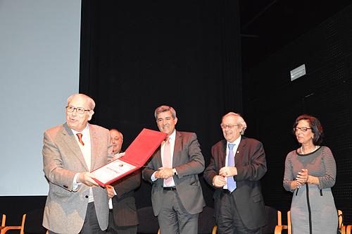 António Arnaut recebeu no CCC o título de sócio honorário da APAR