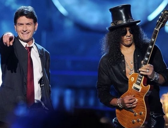 [Video] Na estréia de Roast with Charlie Sheen… Slash!