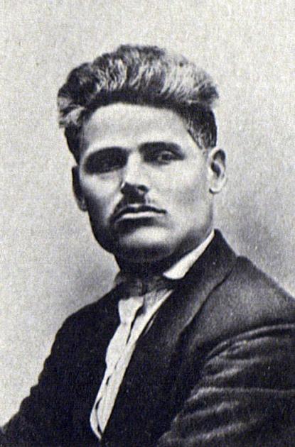 Тимофей Сапронов — лидер группы «демократического централизма», большевик с 1912 г., в декабре 1919 — марте 1920 гг. — председатель Харьковского губернского ревкома и губкома КП (б) У. Расстрелян в 1937