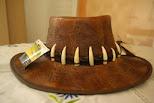 Se vende sombrero de piel de reptil,