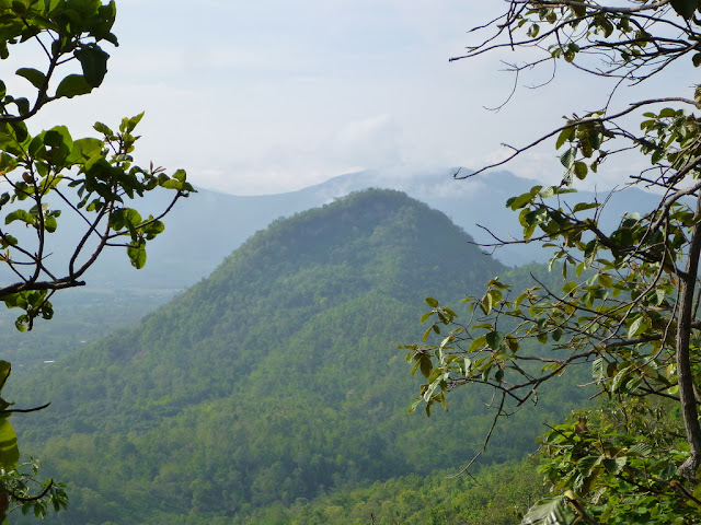 Great view of the back side of Doi Tham/Cave Mountain
