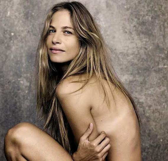 Martina Klein, desnuda