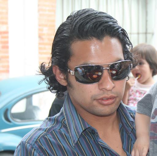 Adriano Mendoza Photo 9