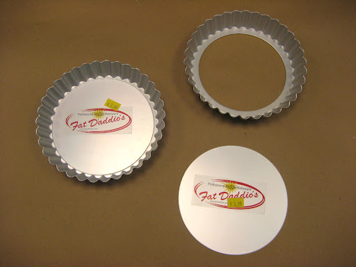 Since these were being given as cooking award ribbons, we used individual tart tin pans with removable bases.