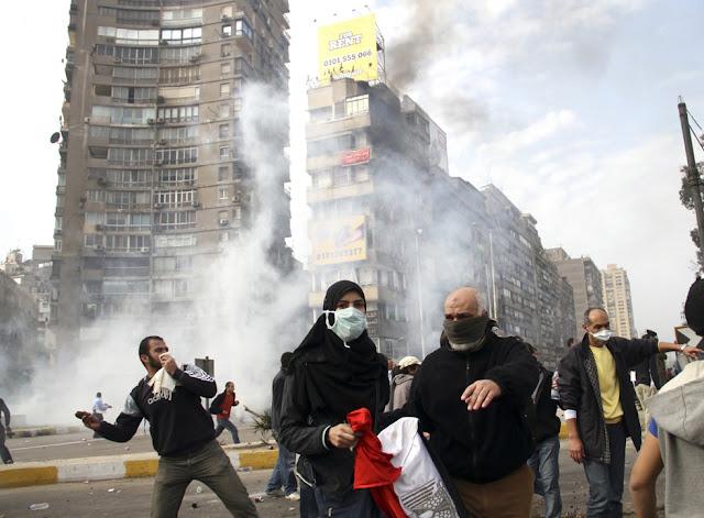 Egyptian Revolution شريف الحكيم Egypt_protest_33