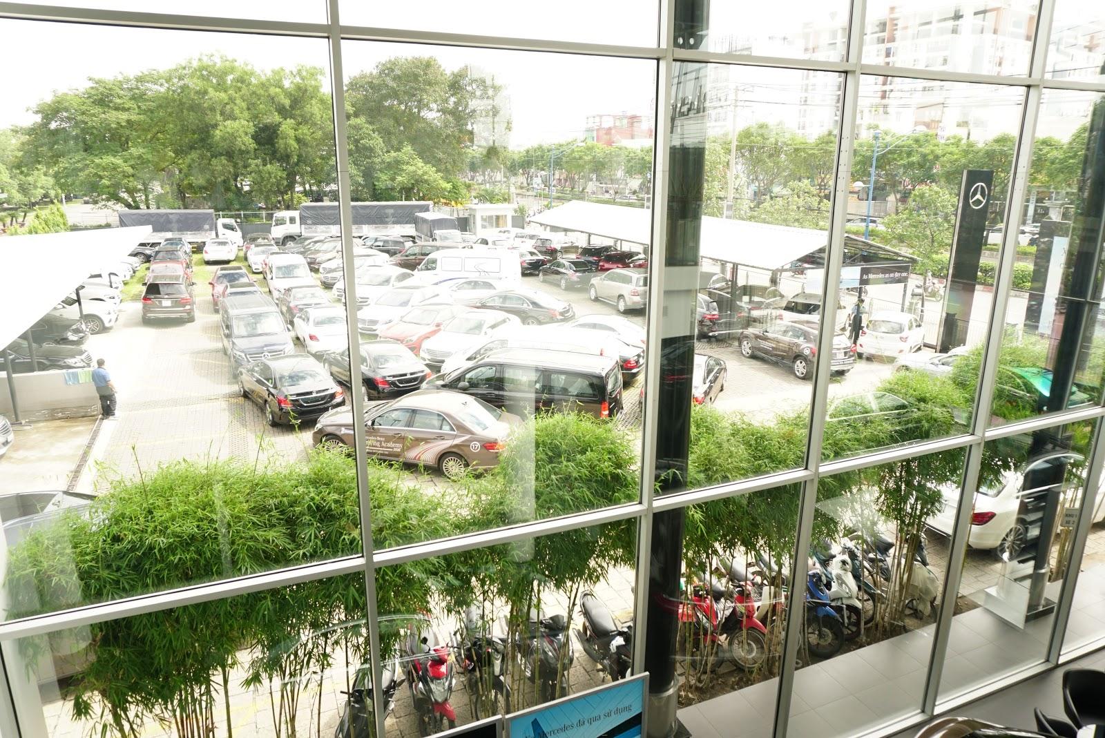 Kho lưu giữ xe của Mercedes Benz Trường Chinh khi nhìn từ trên cao