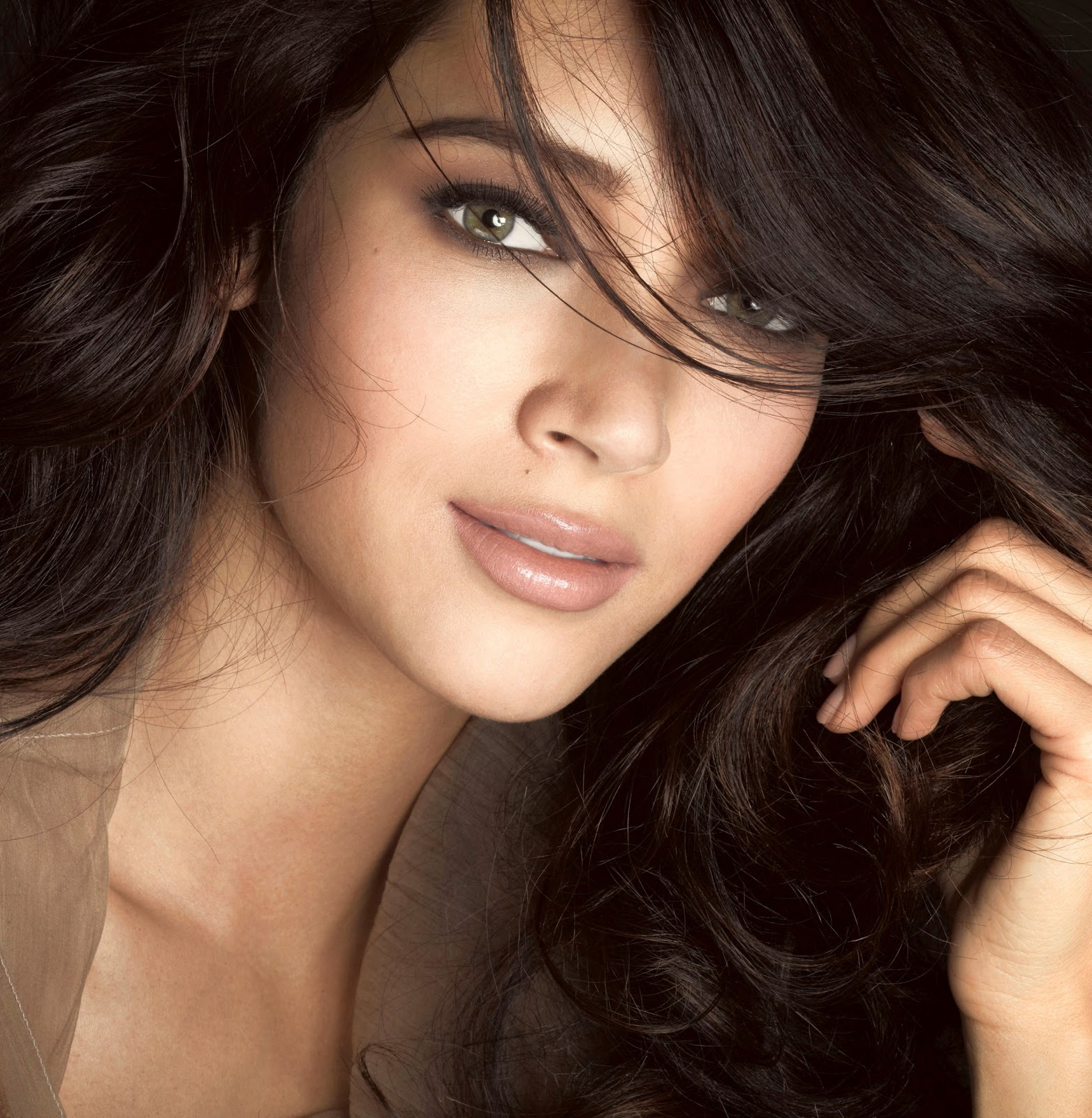 sexy latina face
