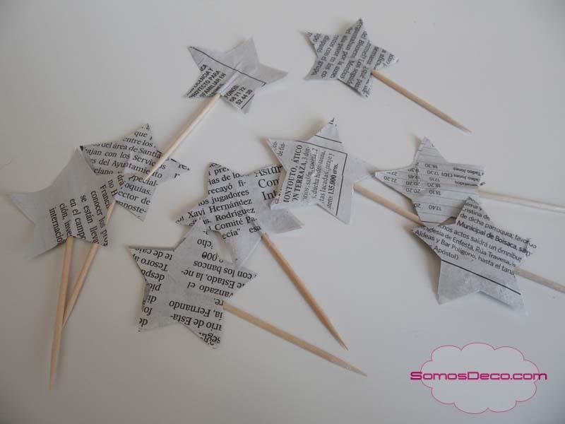 Manualidad de Navidad con palillos y estrellas.