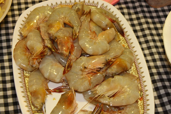 how to eat prawns video