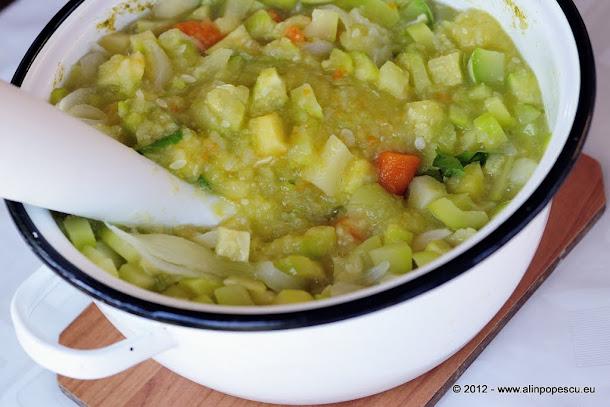 Supa crema de dovlecei - ingrediente fierte