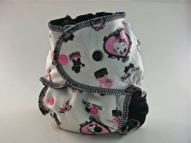 Hello Kitty Hearts OS Organic Fitted