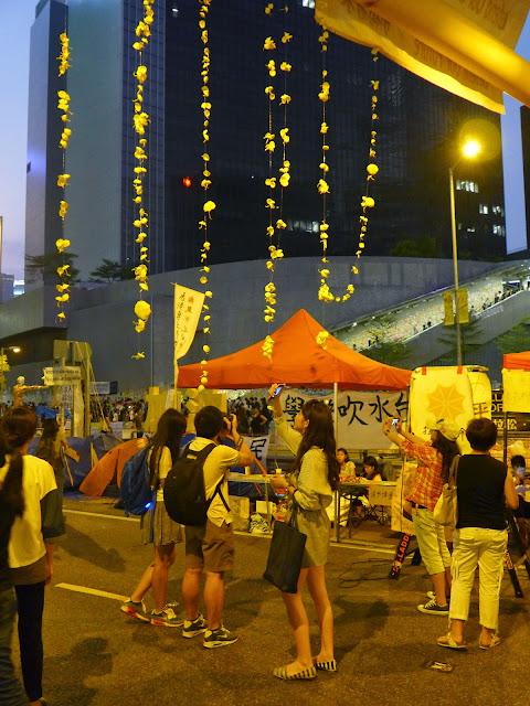 L1030304 The Umbrella Revolution в Гонконге - профилактический ремонт