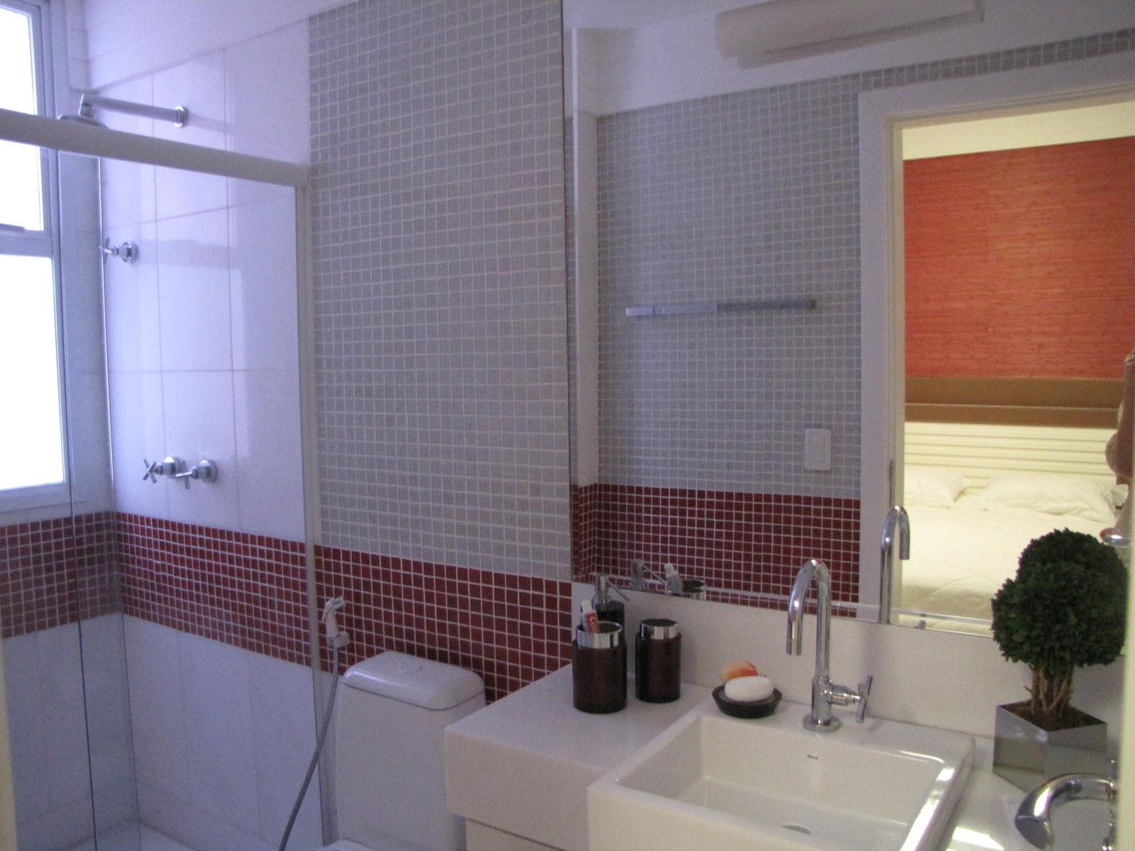 Até o banheiro é vermelho eu estava louca com a cor na época! #934F38 1600 1200