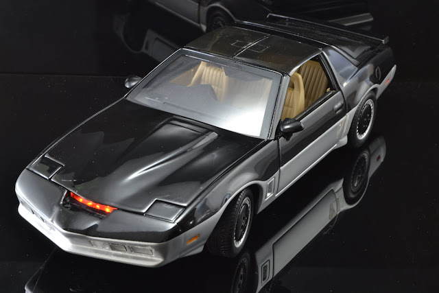 Kitt knigth rider ertl hot wheels 1:18