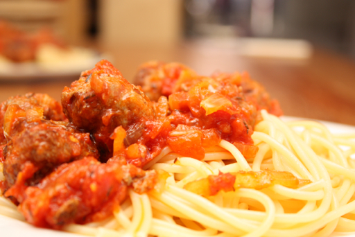 Meatballs in tomato sauce with spaghetti