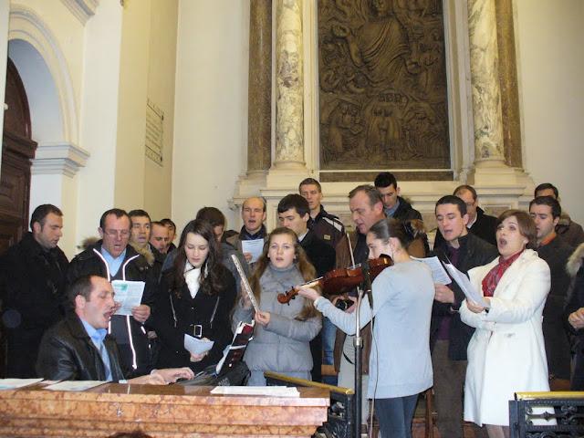 Il coro dei rumeni alla messa dei popoli