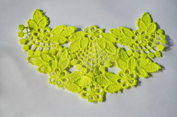 Neon Lace Necklace Tutorial
